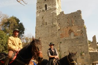 Torre Alta/S. Rabano/Cala di Forno: riding between towers, woods and sea