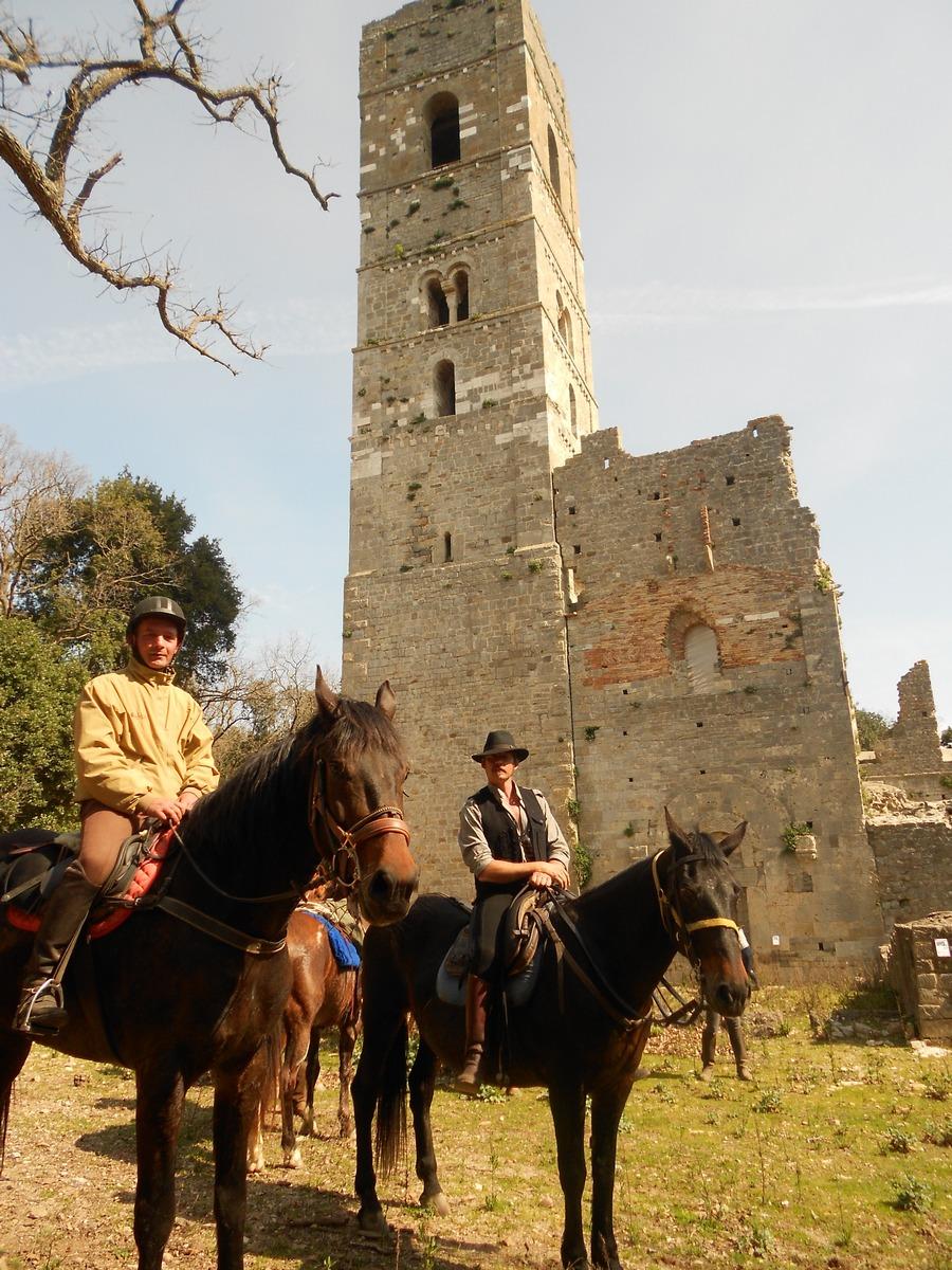 Torre Alta/S. Rabano/Cala di Forno – A cavallo tra torri, boschi e mare