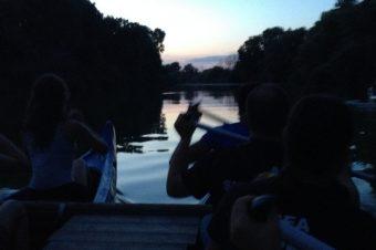Itinerario notturno in canoa