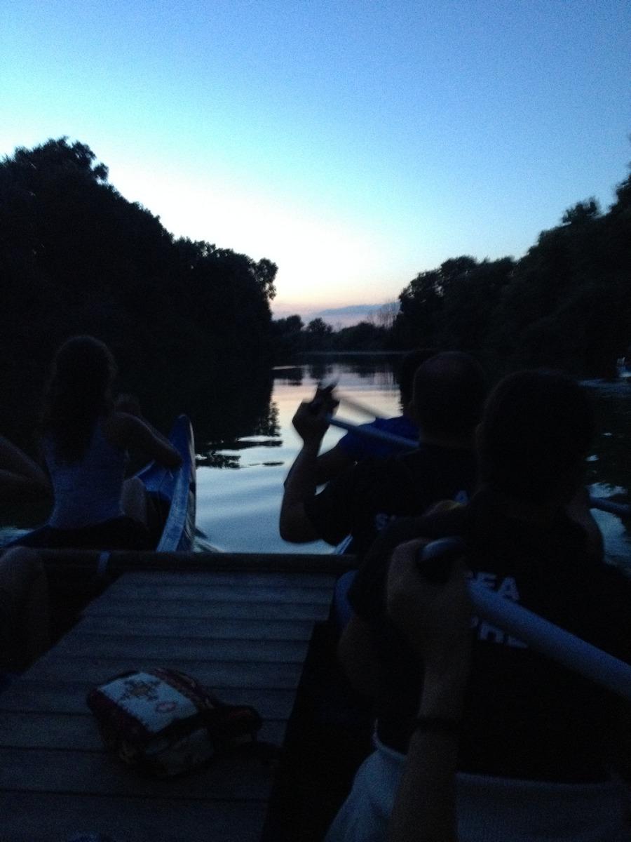 Tramonto in canoa e plenilunio