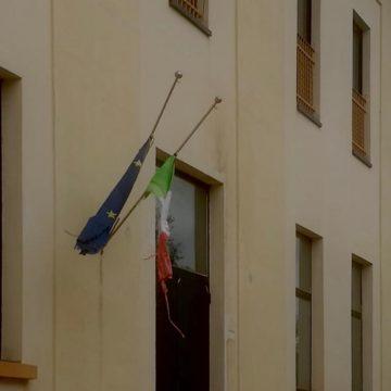 Parco della Maremma: bandiere a mezz'asta per le vittime del Covid 19